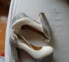 Cipele nove nenosene jako udobne