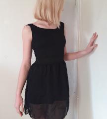 Crna haljina otvorenih leđa