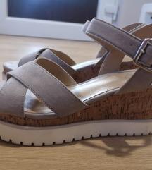 BATA sandale 40