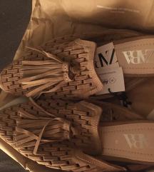 Zara natikace sandale