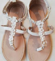 H&M bijele sandale