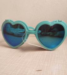 Difrakcijske sunčane naočale u obliku srca