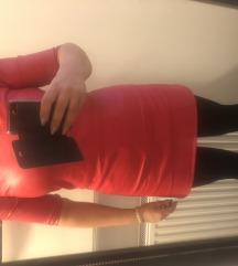 Crvena kožna haljina
