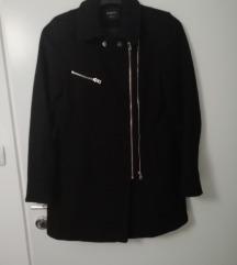 Crni kaputić s cifovima S