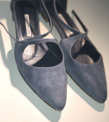 Manolo Blahnik navy blue suede flat shoes