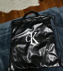 Calvin klein torba/ruksak SNIZENO!