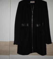 Zara Trf crni kaputić vel.M -L