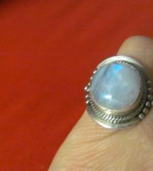 Srebrni prsten moonstone