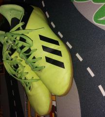 Adidas tenesice za dvoranu br 35