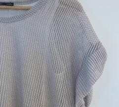 Zara majica s rupičastim uzorkom