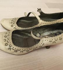 Kožne cipele na cvjetiće