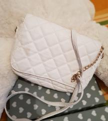 Bershka bijela torba