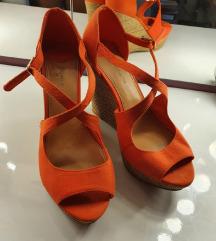 Narandžaste sandale na punu petu
