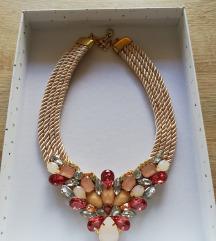 Krem-roza pletena ogrlica!