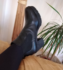 Crne čizme gležnjače NOVO