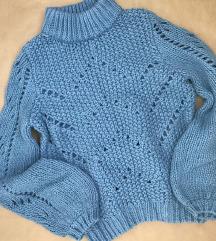 H&M plavi rupicasti pulover