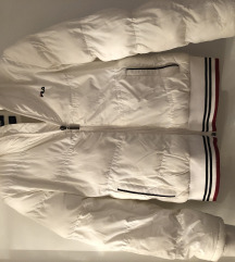 Bijela sportska zimska jakna