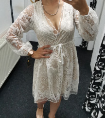 Prodajem haljinu. Univerzalna vel.