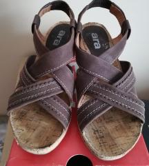 Ara sandale