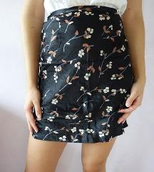 Svilena suknja s cvjetnim uzorkom