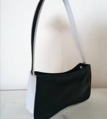 Kozna crno-bijela vintage torbica