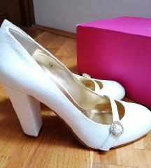 Beyond Skin bridal cipele na petu