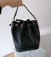 Nova crna kozna torba