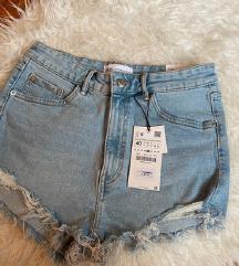 Nove s etiketom Zara kratke hlače