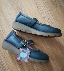 Nove udobne cipele..37