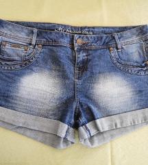 Nove kratke traper hlače