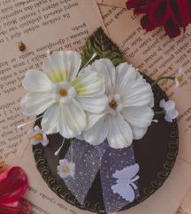NOVO: Zeleni fascinator sa cvjetovima