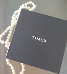 Timex sat sa Swarovski kristalima