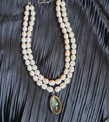 Raskosna biserna ogrlica s privjeskom