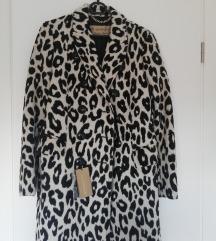 Burberry leopard print kaput