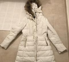 Zara zimska jakna  sniženo 150