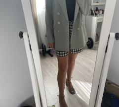 Odijelo (hlače 36, sako 40)
