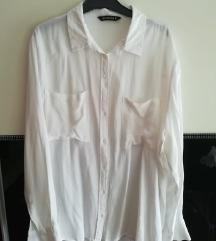 Lagana bijela košulja