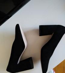 Nove salonke shoe box