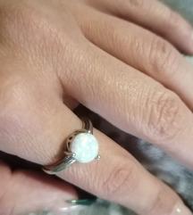 Novi srebrni prsten