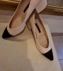 Zara cipele s manjom petom NOVO