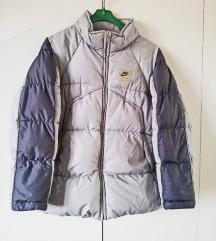 Odlična topla dječja jakna NIKE - br M ili 12