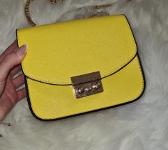 Žuta torbica sa lancem