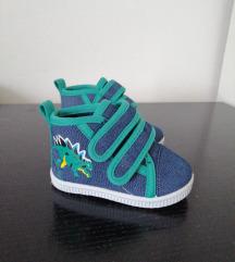 1 nošene baby cipele 19 br