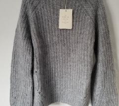 SEZANE vuneni pulover s etiketom