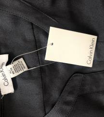 Calvin Klein s etiketom NOVO