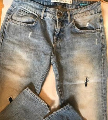 ZARA boyfriend jeans 34 prekrasne