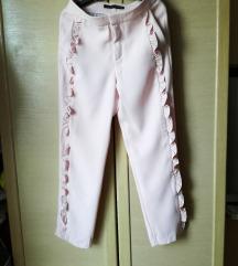 Zara roze hlače s volanima