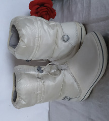 Bijele CROCS čizme sa flekom 38
