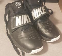 Nike tenisice za kosarku 38