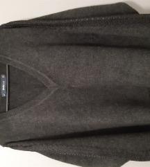 Novi ZARA pulover M